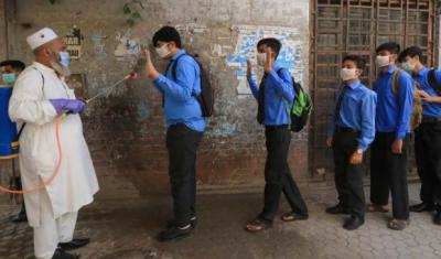 سندھ کے اسکولوں میں کل سے ویکسینیشن مہم شروع کرنے کا فیصلہ