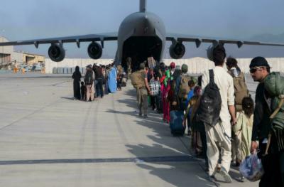 افغانستان: کابل ایئر پورٹ دوبارہ کھول دیا گیا