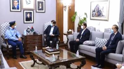 وزیراعلیٰ سندھ سید مراد علی شاہ سے ایئر وائس مارشل عظیم افضل اے او سی سدرن کمانڈ کی ملاقات