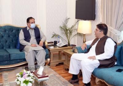 وزیراعلیٰ پنجاب سے پاکستان تحریک انصاف کے چیف آرگنائزر کی ملاقات: سیاسی صورتحال اور پارٹی امور کے حوالے سے تبادلہ خیال