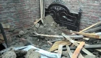 گوجرانوالہ میں مکان کی چھت گرگئی،60سالہ شخص زخمی