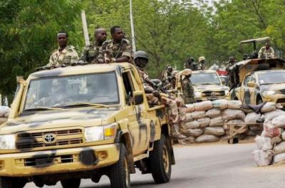 نائجیریا میں فوجی قافلے پر شدت پسندوں کے حملے میں 16 فوجیوں سمیت 18 افراد ہلاک جبکہ 11 فوجی زخمی