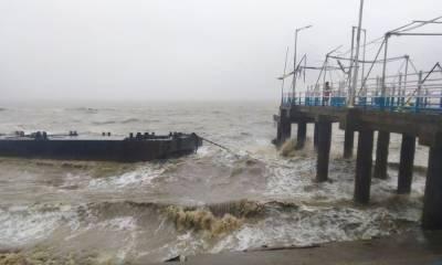 سمندری طوفان گلاب بھارت کی دوریاستوں سے ٹکرا گیا