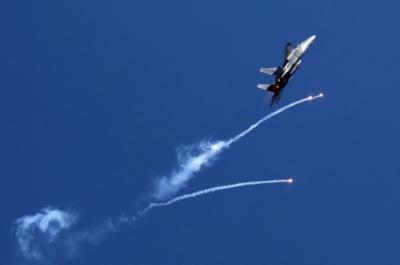شام: صہیونی فورسز کے طیاروں کی ایرانی حمایت یافتہ جنگجووں کے ٹھکانوں پربمباری, 9 افراد ہلاک